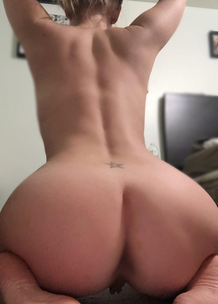 Girl In Frog Butt Position Sexy Photo