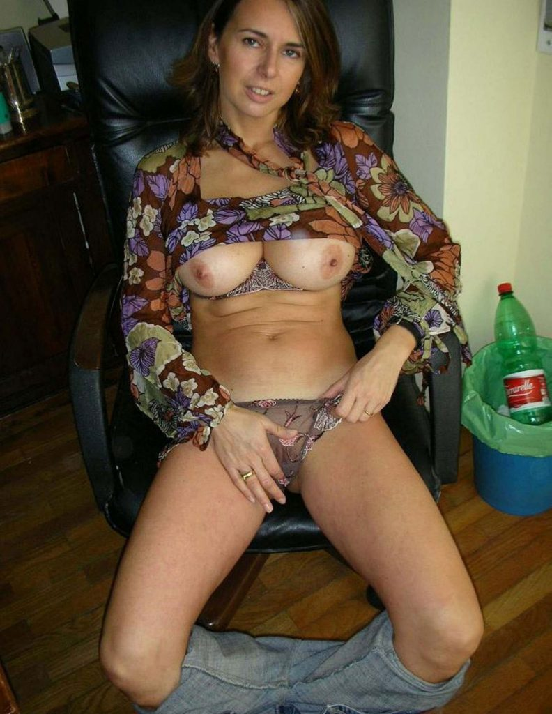 Hot Wife Nude Picture