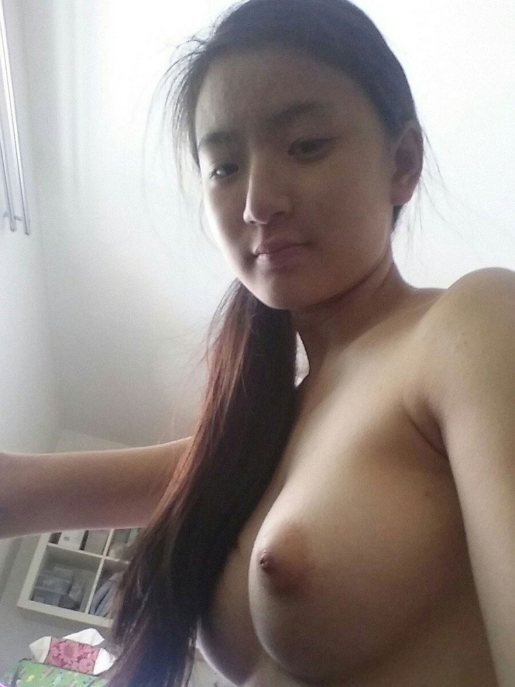 Long Haired Girl Nudes