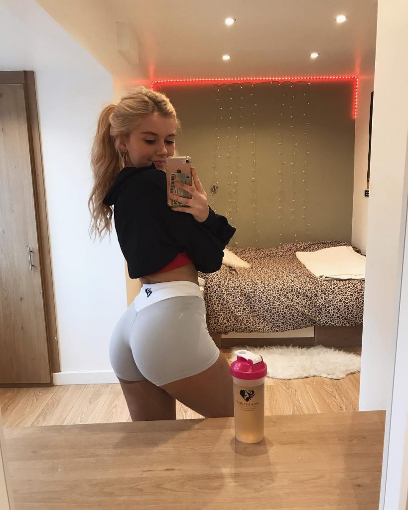 Girl In Short Shorts Hot Picture Porn