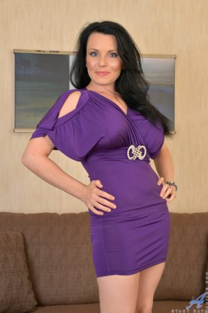 Shapely older mature MILF reveal her firm big tits and bends over naked