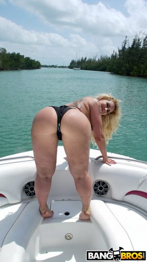 Tattooed blonde Ryan Conner with big ass gives blowjob & rides cock on a boat