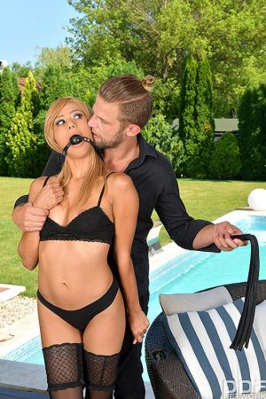 Hot blonde Veronica Leal has her asshole fitted with butt plug before anal sex