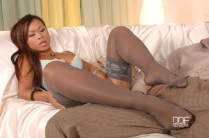 Fantastic French lady Jade Sin loses her outfit and gives a footjob before sex
