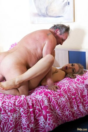 Blonde hottie Alana Moon seduces an old dude and gets rammed on a bed