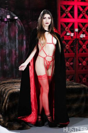 Pornstar Raven Rockette modelling in hot Goth look and outfit 1