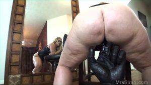 Fat wife Dee Siren releases tits and big ass from latex dress afore a mirror
