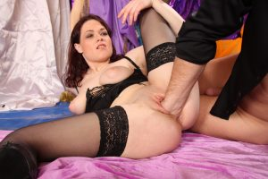 Kinky brunette Katerina Zizkova engages in vaginal fisting before a money shot