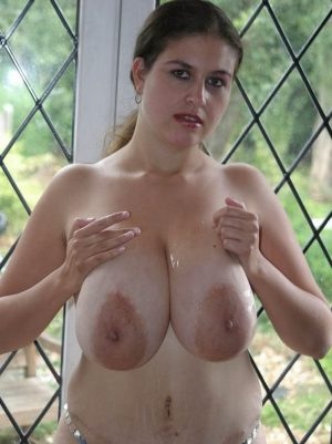 Big oiled tits and stretchmark belly