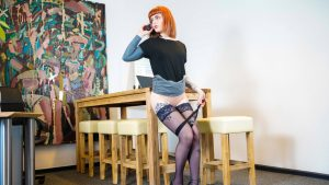 Bored alternative doll Kylie Kay gives her boss hot head in the office