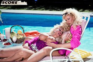 Busty strippers Bunny Glamazon and Stacy Staxxx have sweet time by the pool