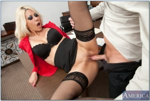 Jazy Berlin strips to her stockings and fucks her man in office