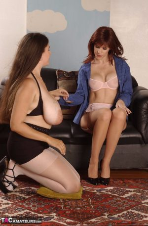 Amateur chick Denise Davies goes lesbian with a girlfriend in stockings