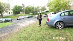 Smoking Goldie has to go on the road, so she pulls over and squats for a pee