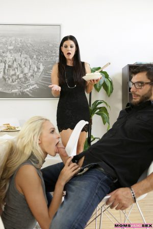 Sexy mom India Summer joins stepdaughter in hot dinner table threesome