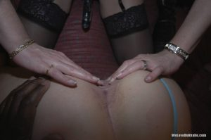 Mature amateurs Emma Louise and Sammy share dongs wearing fishnets