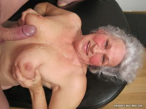 Old granny in lacy stockings gets her twat filled after sucking a dong