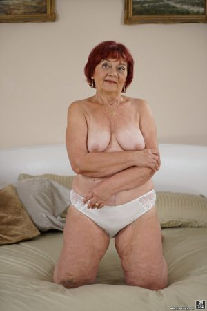 Voluptuous granny Marsha gets her pussy fucked and receives a messy facial