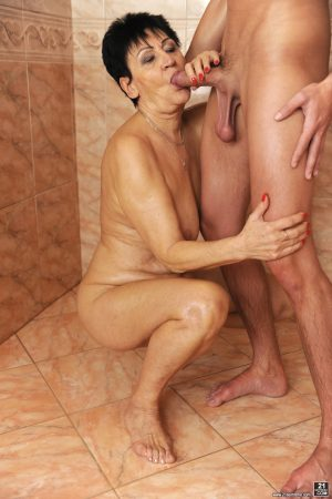 Sexy granny Anastasia gets herself some young big dick at the gym