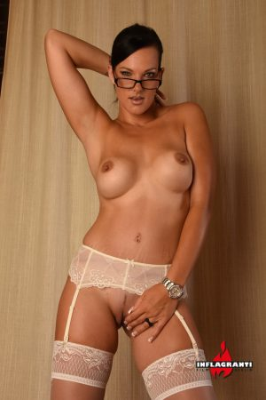 Nerdy amateur seduces the delivery man in a short dress and garters