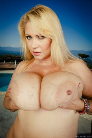 BBW pornstar in high heels Samantha 38g flaunts her giant tits by the pool