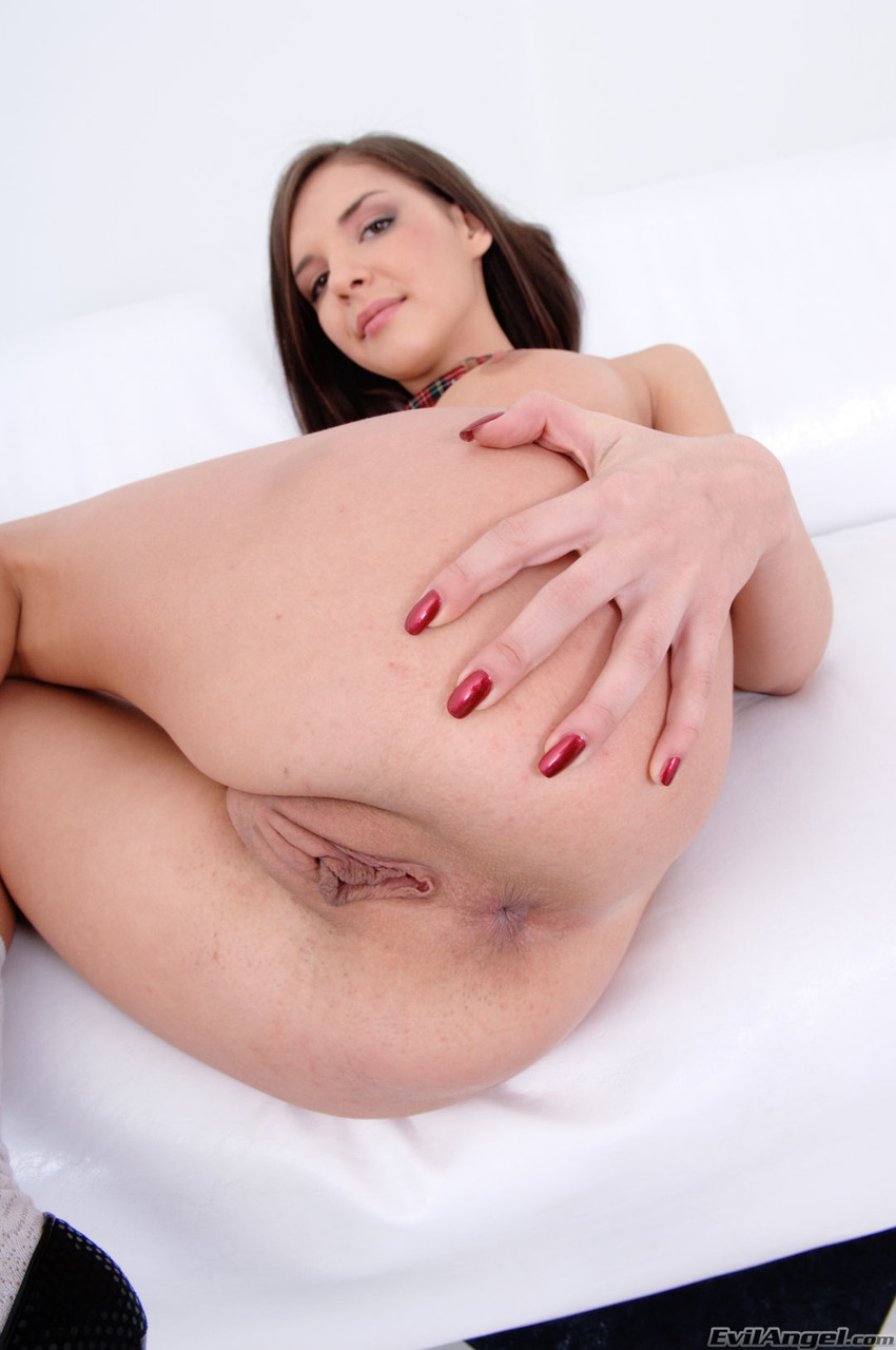 Slutty young brunette Henessy pumps her pussy while giving BBC blowjob