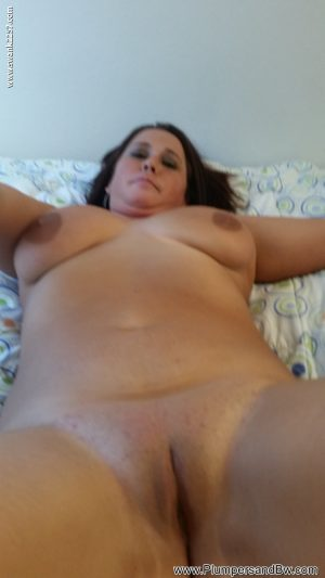 Chubby amateur wife Babs loses her shirt and panties before masturbating