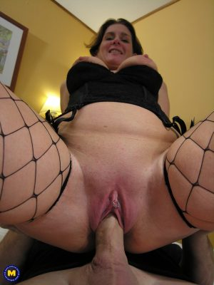 Mature wife in fishnets Gerdie gets her twat licked and stuffed on a bed