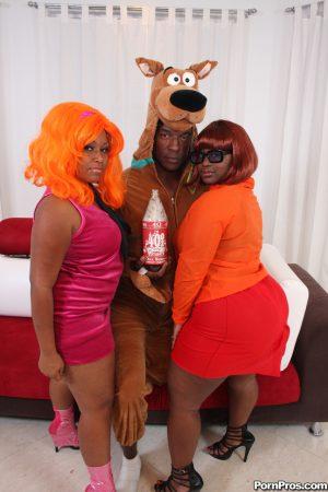Big ass ebony women Mz Booty & Manaje A Star in fishnet model huge oiled booty