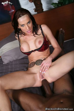 Slim brunette MILF Carin Roman gets a big black cock in her tight anal hole