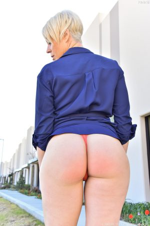Hot amateur MILF Helena secretly shows her big booty & small tits in public