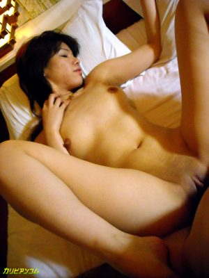 Japanese babe Fisherman Wife orgasms while getting toyed with a vibrator