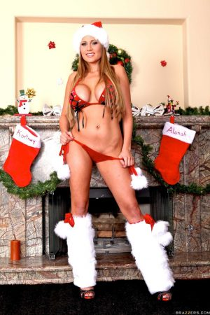 Curvy babe with Santa's cap Alanah Rae reveals her amazing body in a solo