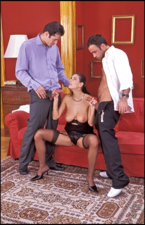 Sexy babe with a hairy cunt Anita Queen gets fucked in a threesome