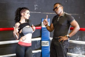 Alt chick Arabelle Raphael doffs spandex clothes for hard anal in boxing ring