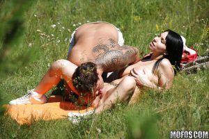 Beautiful busty Daisey Lee gets shot voyeur while fucking outdoor