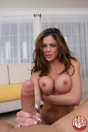 Busty MILF Hunter Bryce gives wicked POV titty fuck & catches mouthful of cum