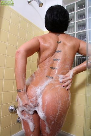 Shay Fox spreading pussy in shower and rubbing tasty boobies