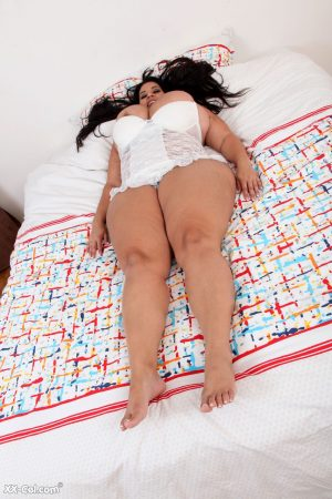 Beautiful BBW Sofia Rose strips and plays with her huge natural tits