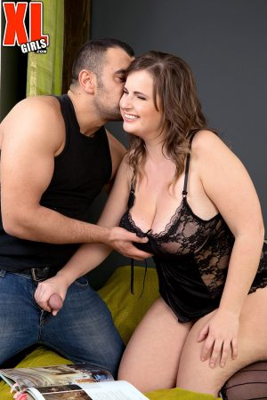 Overweight chick Maggie gets jizzed on after sucking dick and fucking