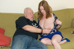 Mature amateur Dirty Doctor sits on her man's face after a licking his dick