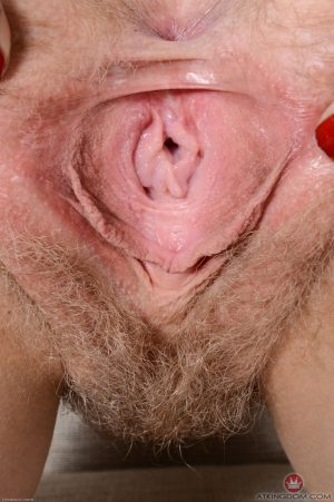 Curvy amateur with round tits Vestacia spreads her pink hairy cunt in closeup