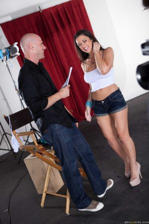 Brunette Melina Mason gives titjob before getting banged on a folding chair
