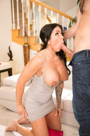 Stepmom Simone Garza takes care of her stepson's rock-solid cock & gets jizzed