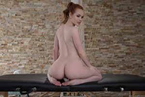 Curvy babe Ella Hughes flaunts her big ass while undressing for a massage