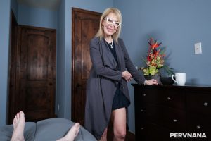 Blonde granny Erica Lauren exposes her body and gets fucked in POV