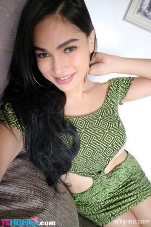 Marvelous shemale TS Filipina reveals her sexy tits & nipples in a solo