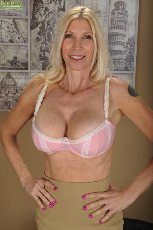 Mature blonde dame Cameo posing solo in underwear and high heels