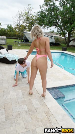 Big assed Valentina Jewels gives young neighbor hot poolside blowjob & fuck