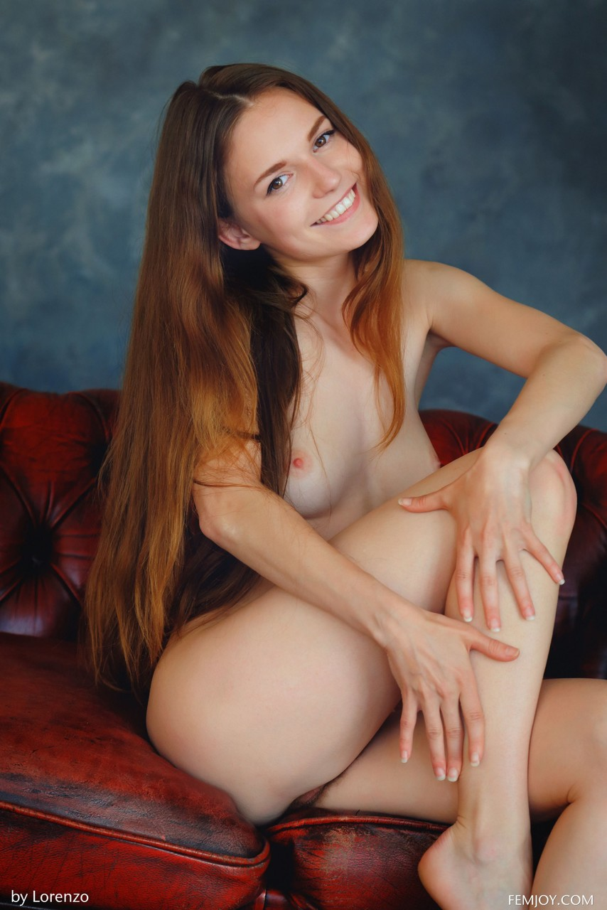Adorable amateur babe Sofie posing naked and touching her furry snatch